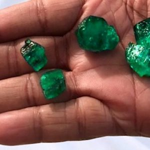emeralds-rubies-producer-fura-gems-changes-look